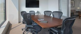 Medium Meeting Room