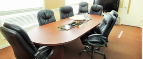 Paradise Plaza Boardroom for 9