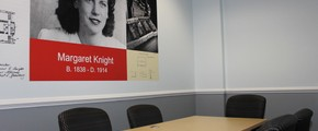 Knight Meeting Room